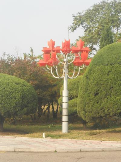 The parking lot at the Yanggakdo had these maple leaf light fixtures. Not sure if they are from Canada or are meant to reference it.